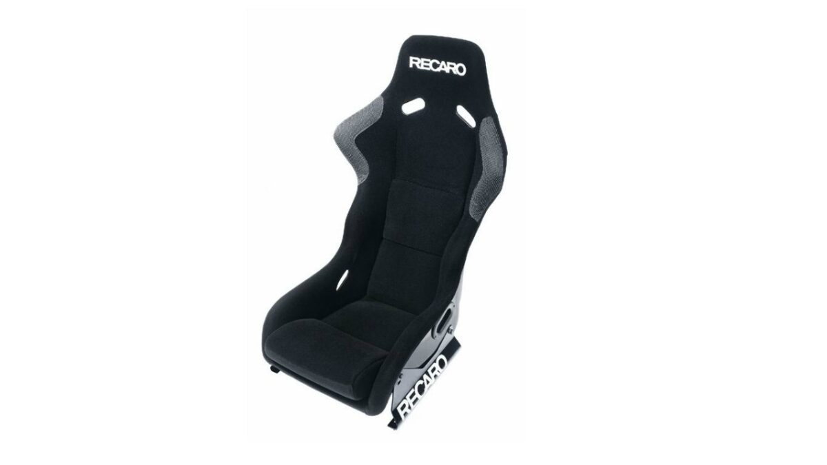 The RECARO Profi (FiA) racing seat provides the best starting position for racers seeking to compete for podium places.